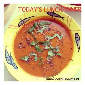 Verse-pomodori-soep-met-bleekselderij