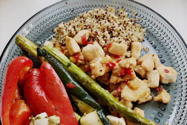 Gegrilde groente met kipfilte